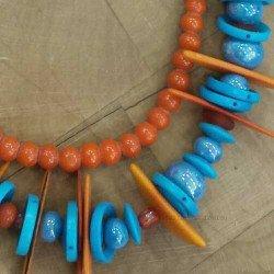 collier ethnique mutlicolore